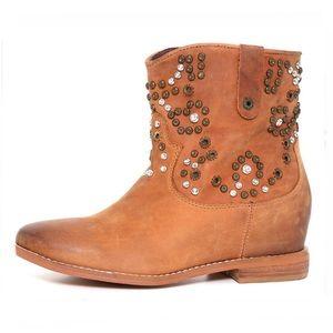 ZIGI GIRL Truffle Cognac Studded Ankle Boot Size 7